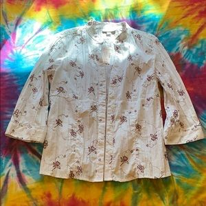 Medium 3/4 sleeve white w/ purple/green embroidery